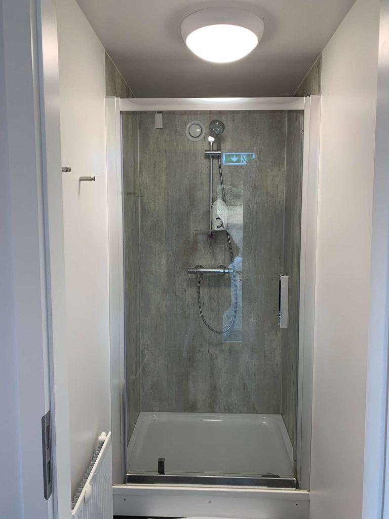 バブルホテル シャワー