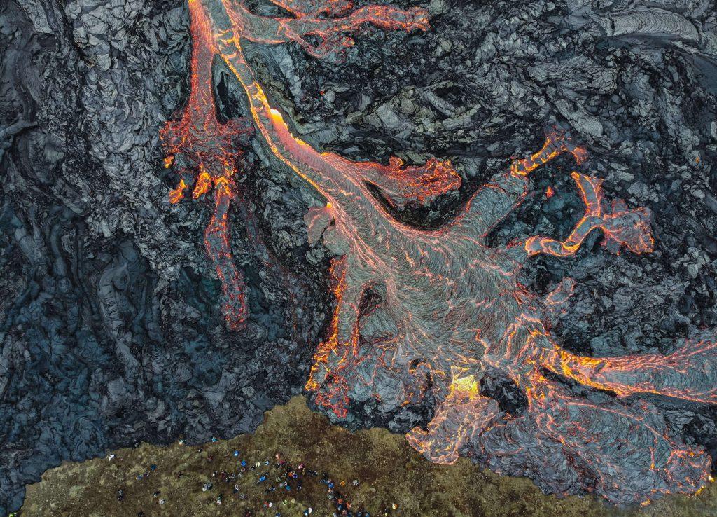 アイスランド ドローン 火山 撮影