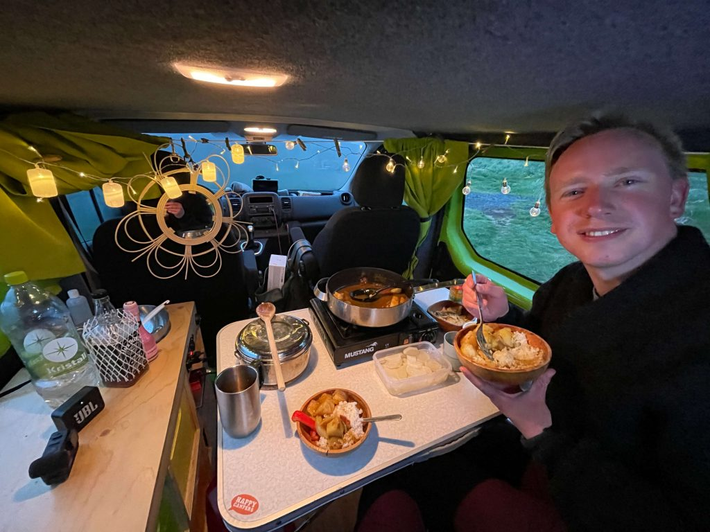 van life dinner